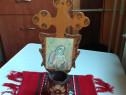 Veche candela de lemn cu icoana litografiata Maica Domnului