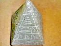 7460B-Piramida EGIPT Jad manual executata si inscriptionata.