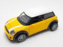 Masina Mini Cooper S 1:32 - Galbena sau Rosie (2 culori)