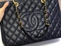 Genti Chanel logo imprimat, accesorii metalice aurii