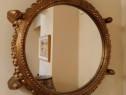 Oglinda rotunda cu capete de berbec