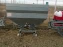 Masina împrăștiat îngrășăminte 1200 litri purtat
