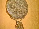 8605-Oglinda mica dama bronz. Lungime 11.5 cm, diam. 6.5 cm.