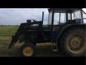 Tractor cu încărcător sau schimb