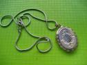 Medalion dama oval pt. fotografie de familie alama argintata