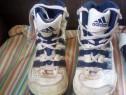 Adidas gheata pentru munca la pret afisat