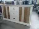 Comoda din lemn masiv