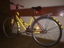 Bicicletă pentru adulți cu lumini pentru noapte