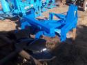 Plug cu 2 brazde pt tractor U445