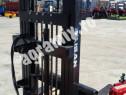 Stivuitor hidraulic cu lame in tiranti nou 2.7m