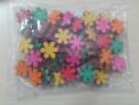 Flori colorate din lemn