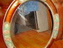 B920-Oglinda rustica ovala veche model tranfafiri din lemn.