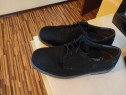 Pantofi cu protecție de fier în fața,mărimea 42/43