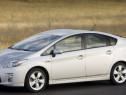 Dezmembrez Toyota Prius 1.8 hibrid 2010