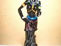 7804-Statuieta Femeie razboinica Africa rasina stare buna.