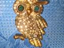 B177-Insigna Bufnita bronz veche cu ochi pietricele sticla.