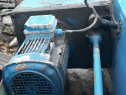 Motor cu pompa de ulei