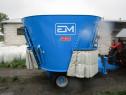 Mixer de furaje nou - remorca tehnologica de 9 mc