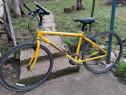 Bicicleta trekking Canondale 700 serie.