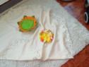 Față de masă și ornament de Paște