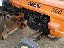 Tractor Fiat 300 italia 30 cai