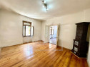 Casa 4 camere - Pretabil investitie - curte comuna - Orasul