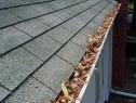 Efectuam reparații la acoperiș, cu alpinist utilitar