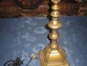 Lampa din metal auriu cu pulbere de argint, in stil Baroc.