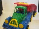 Camion ce contine cuburi lego