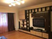 Inchiriez apartament 3 camere/Bdul Mamaia -Constanta