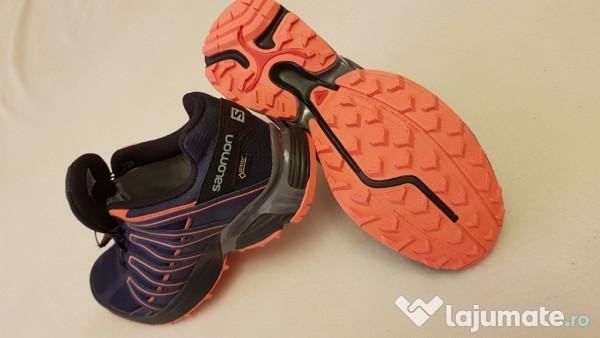 Pantofi sport SALOMON Gore Tex XT Asama GTX, mărimea 39 40. 250 lei