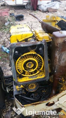 Dezmembrez cilindru compactor cat cb-214c 92e8b41515f1c