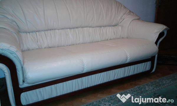 Canapea extensibila din piele ecologica stare foarte buna for Canapea extensibila nina 5