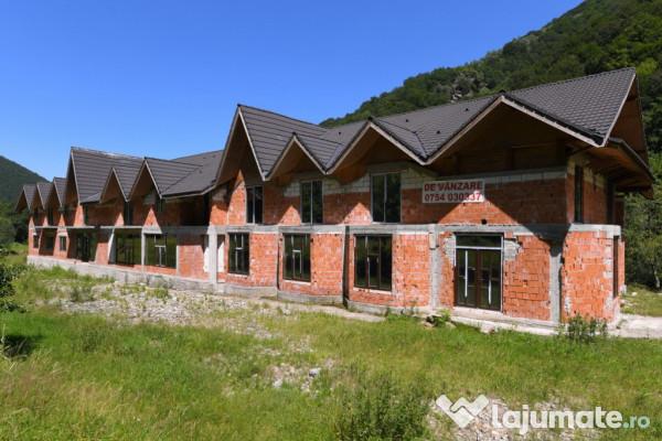 Vanzare  spatii comercial Hunedoara, Sibisel (Rau de Mori)  - 250000 EURO