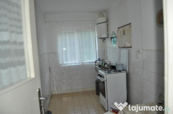 Vanzare  apartament  cu 3 camere Caras Severin, Anina  - 7000 EURO