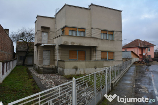 Vanzare  casa  5 camere Hunedoara, Ilia  - 300000 EURO