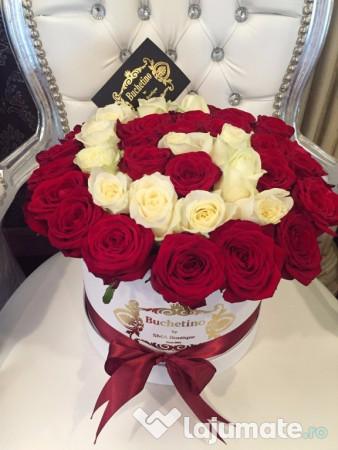 trandafiri in cutie cu initiala 450 ron. Black Bedroom Furniture Sets. Home Design Ideas