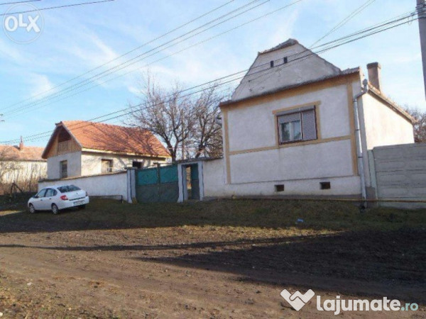 Vanzare  casa  4 camere Sibiu, Armeni  - 13500 EURO